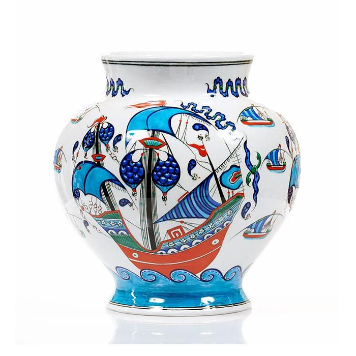Eterne - Iznik vase with galleon pattern