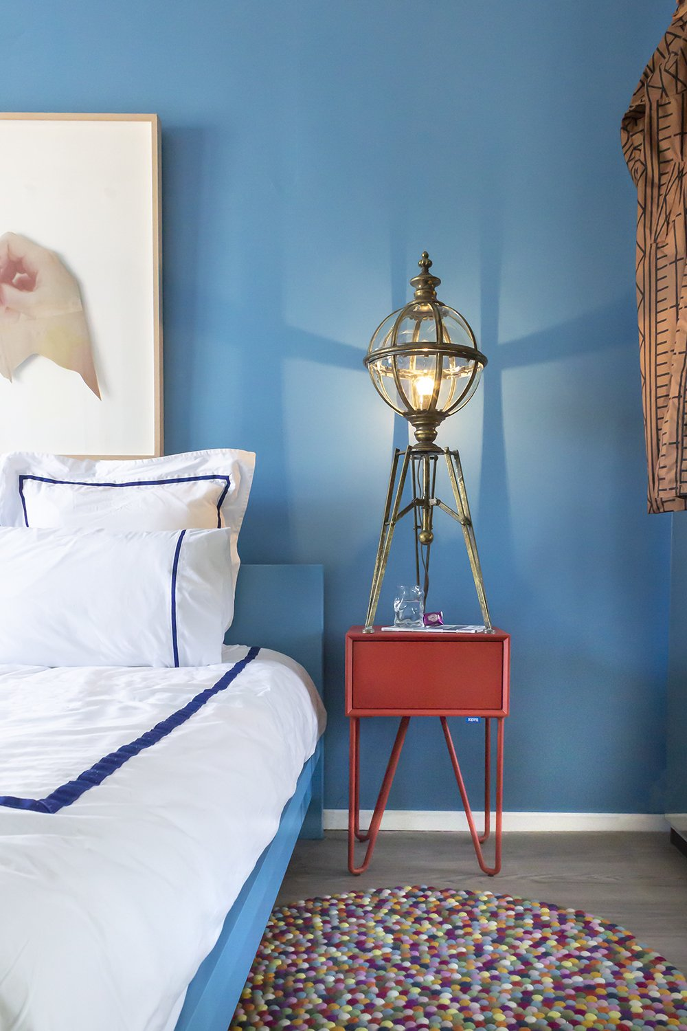Spice up your bedroom with the new Auping Pixel nightstand ...